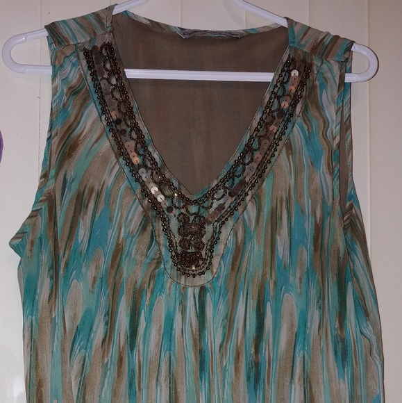 Signature by Larry Levine Tops - V neck with sequins